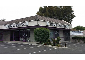 Santa Ana veterinary clinic 17th Street Animal Hospital