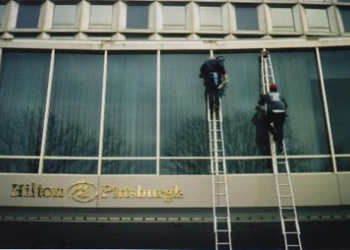 Pittsburgh window cleaner 3-D Window Cleaning & Maintenance