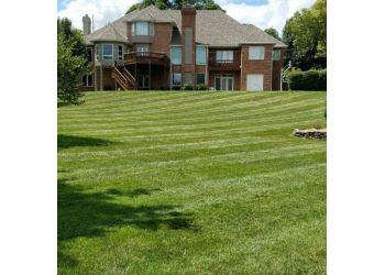 Springfield lawn care service 417 Mowing