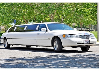 Thousand Oaks limo service 805 PARTY BUS LIMO