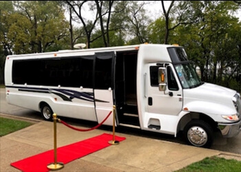 Rockford limo service A1 ROCKFORD LIMO AIRPORT TRANSPORTATION SERVICES
