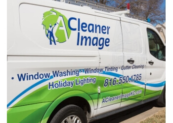 Kansas City window cleaner  A Cleaner Image Window Cleaning