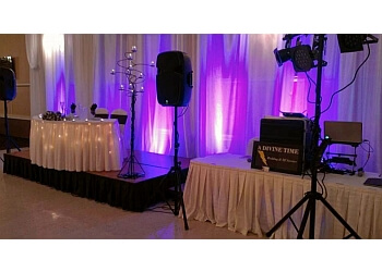 Akron dj A Divine Time Wedding DJ Service