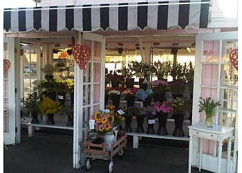 Huntington Beach florist A Pocket Full of Petals