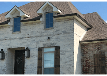 Lafayette gutter cleaner Advanced Seamless Gutters LLC