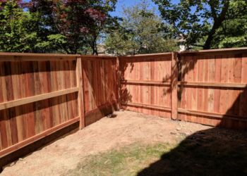Roseville fencing contractor Aguilar Fence Inc.