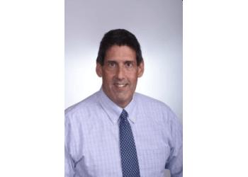 Hollywood eye doctor Alan Mendelsohn, MD, FACS