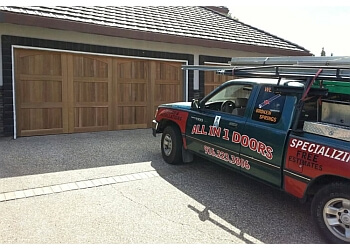 3 best garage door repair in sacramento ca threebestrated for Sacramento garage doors