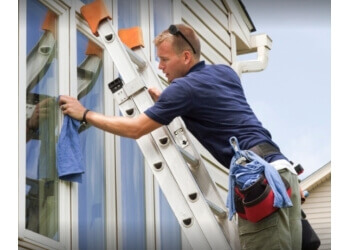 Plano window cleaner AllShine Window & Gutter Cleaning