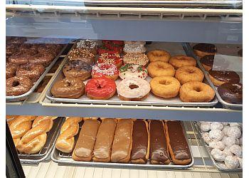 Tucson donut shop Alvernon Donut Shop