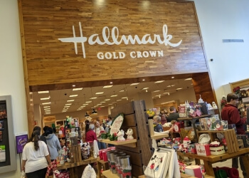 Kansas City gift shop Amy's Hallmark Shop