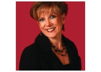 Murfreesboro real estate agent Ann Hoke - Ann Hoke & Associates Keller Williams
