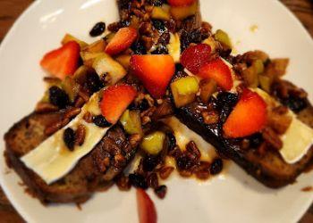 Charleston cafe Another Broken Egg Cafe