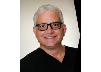 Rockford cosmetic dentist Anthony Benassi, DDS