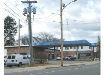 New Haven car repair shop Aquila Motors