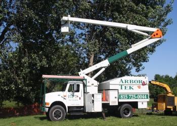 Joliet tree service Arbor Tek Services, Inc.
