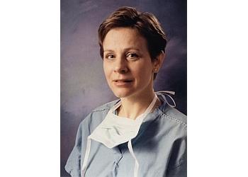 Detroit plastic surgeon Arlene Rozzelle, MD