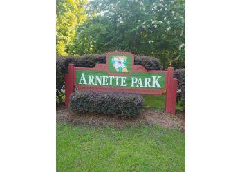 Fayetteville hiking trail Arnette Park