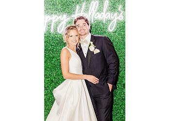 Mobile wedding photographer Ashton Clark Photography