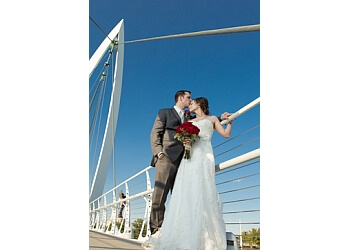 Wichita wedding photographer Avion Photography