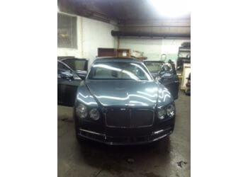 Tampa auto detailing service B2 Car Wash and Detailing