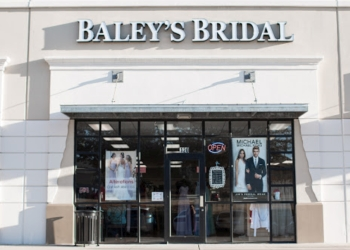Plano bridal shop BALEY'S BRIDAL