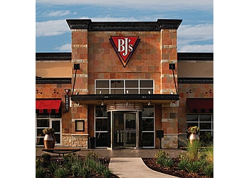 Bakersfield american cuisine BJ's
