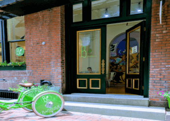 New Haven juice bar B-Natural Café