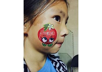 Fullerton face painting Balloon Twisting  Entertainment by Tobi McJunkin