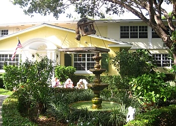 Miami assisted living facility Bay Oaks Home