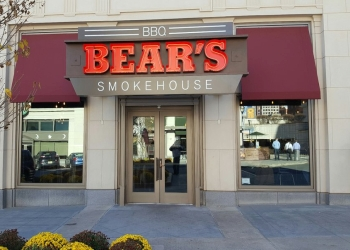 Hartford barbecue restaurant Bear's Smokehouse Barbecue