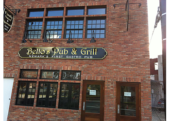 Newark sports bar Bello's Pub & Grill