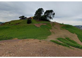 San Francisco hiking trail Bernal Heights Park