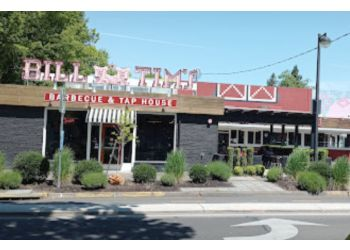 Eugene barbecue restaurant Bill & Tim's Barbeque & Tap House