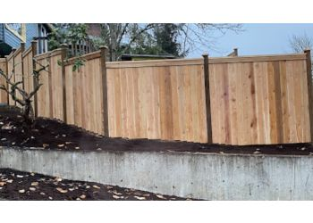 Eugene fencing contractor Black Diamond Fence & Deck Inc.