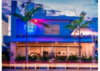 Miami american cuisine Blue Collar Restaurant