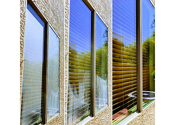 Glendale window cleaner Blue Gem Window Cleaning