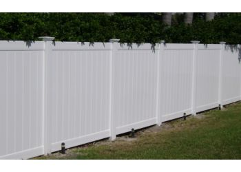 Tampa fencing contractor Bravo Fence