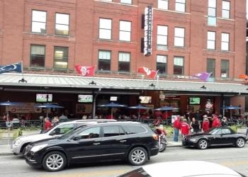 Lincoln sports bar Brewsky's Food & Spirits