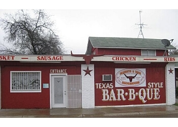 Laredo barbecue restaurant Briskets & Beer Smokehouse