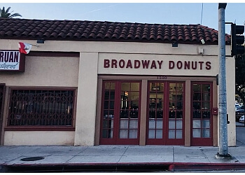 Long Beach donut shop Broadway Donuts