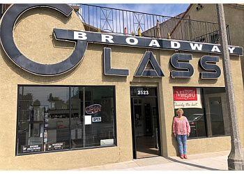 Long Beach window company Broadway Glass & Mirror, Inc.