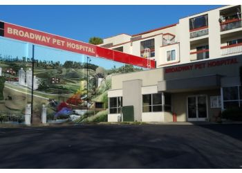 Oakland veterinary clinic Broadway Pet Hospital