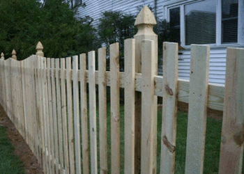 Knoxville fencing contractor Bryant Fence