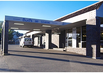 Roseville dry cleaner Bud's Dry Cleaning