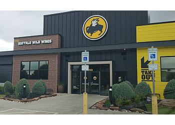 Beaumont sports bar Buffalo Wild Wings
