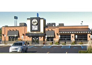Lansing sports bar Buffalo Wild Wings