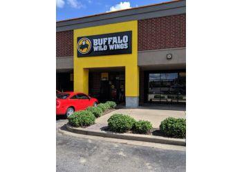 Memphis sports bar Buffalo Wild Wings