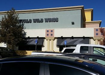 Palmdale sports bar Buffalo Wild Wings
