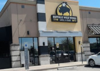 Pasadena sports bar Buffalo Wild Wings